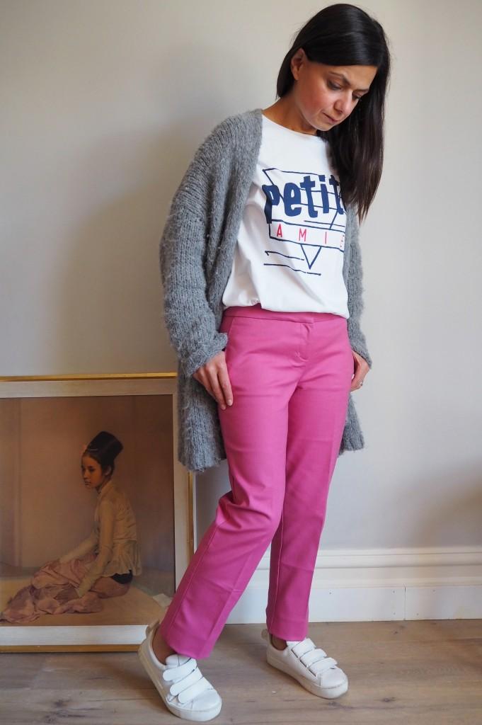 boden-pink-trouser-sneaker-look