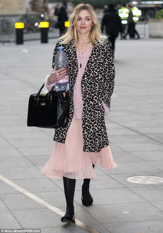 fearne-cotton-wears-ff-coat