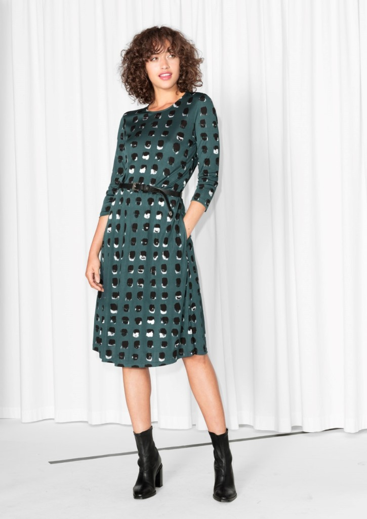spackle-print-dress-model