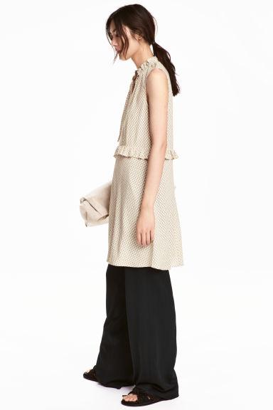 hm-patterned-dress-beige