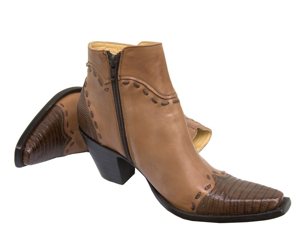 roles-tan-boots