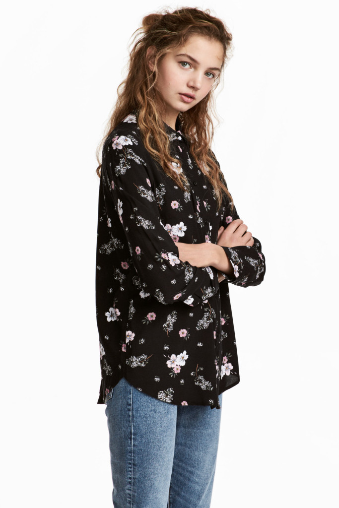 hm-viscose-blouse-black-floral