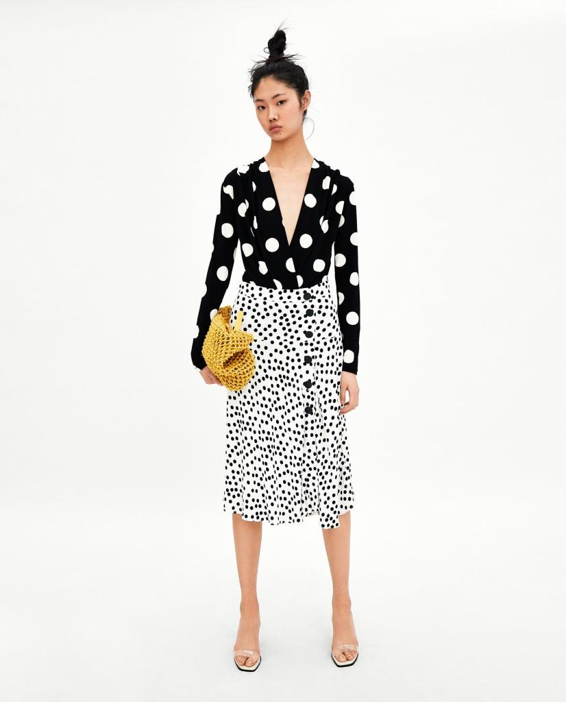 zara-polka-dot-skirt-with-buttons