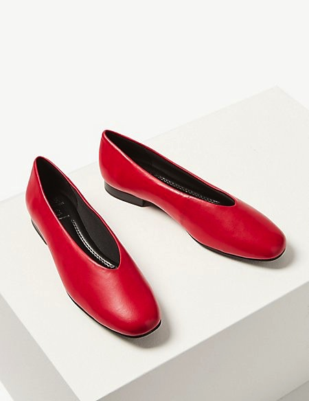 m&S-red-v-cut-flats