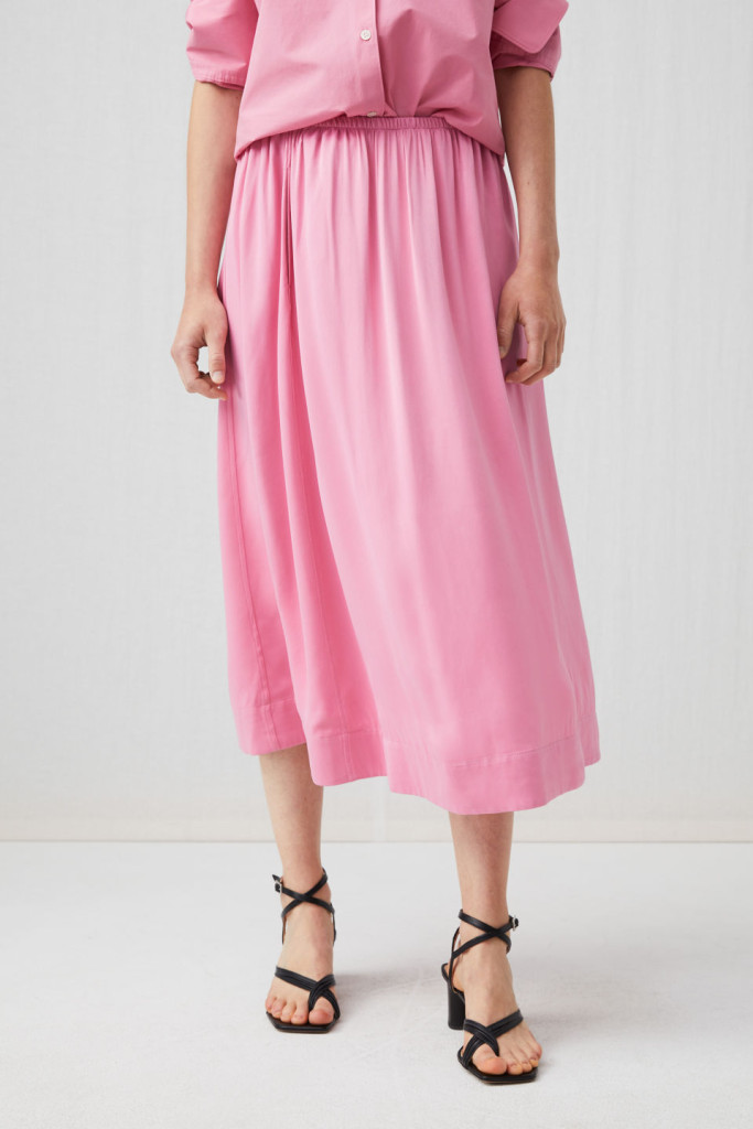 arket-washed-satin-skirt-pink