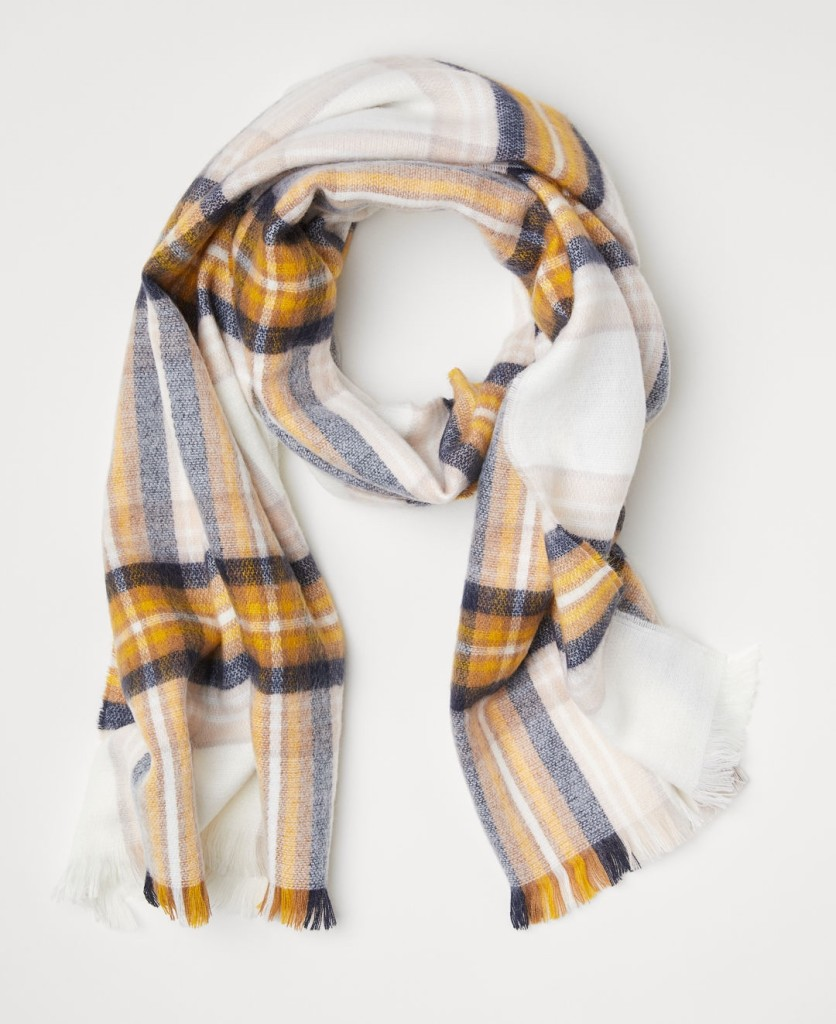 hm-checked-scarf
