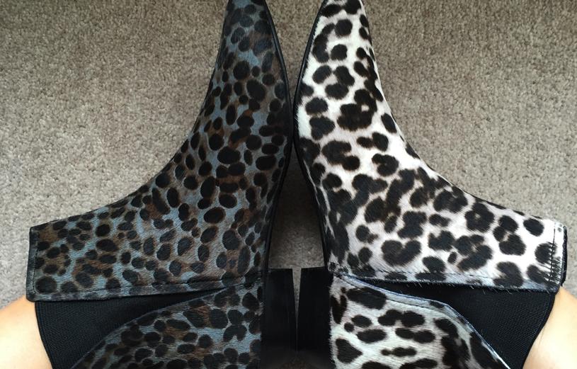 header-snow-leopard-vs-khaki-leopard